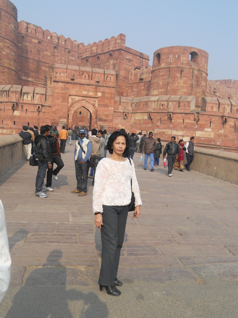 agra and delhi Explore best of delhi & agra with visits 5 unesco world heritage sites along with fun & leisure at kingdom of dreams with this 4 days delhi tour package.