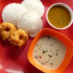 Idli and vada – my lazy Indian breakfast