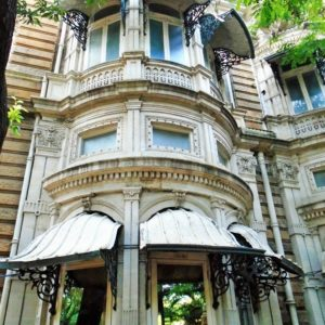 Wordless Wednesday: An exquisite colonial Building in Mumbai